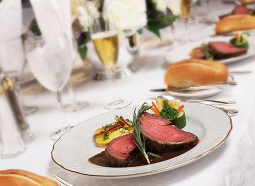 prime rib, party,  meet, champagne,  white tablecloth,